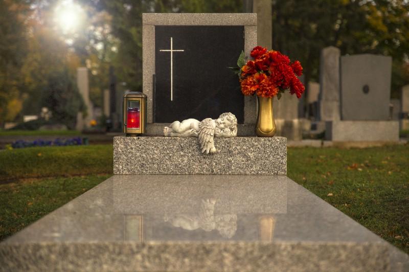 Création de tout type de caveaux funéraires à Albertville | Marbrerie Pech