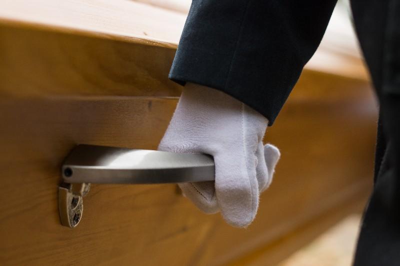 Prise en charge des démarches administratives pour funerailles à Albertville | Marbrerie Pech